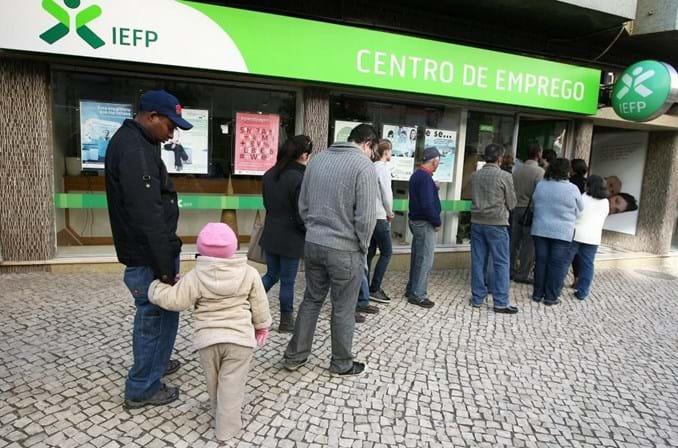 Açores valorizam 15 trimestres seguidos com descida do desemprego