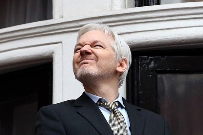 Quito atende a pedido e concede nacionalidade a criador do WikiLeaks