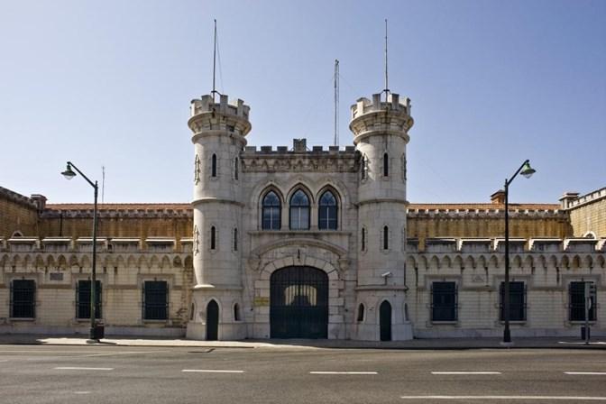 Rebelião de reclusos no Estabelecimento Prisional de Lisboa