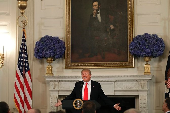 UE, Japão e EUA discutirão tarifas de importação no sábado, em Bruxelas