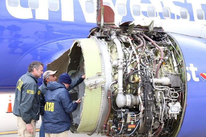 Piloto vira heroína após pousar avião