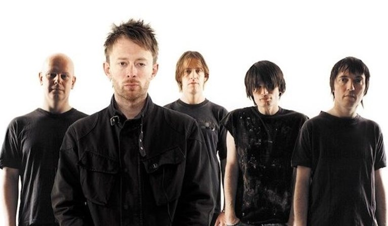 Após os Radiohead lançarem  Creep  (1993), os The Hollies processaram o grupo britânica, alegando ser não é mais do que uma versão de  The Air That I Breathe  (1974). No fim, os Radiohead foram obrigados incluir os nomes de Albert Hammond e Mike Hazlewood, dos The Hollies, como coautores