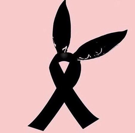 Símbolo Alusivo A Ariana Grande Em Tributo às Vítimas Em Manchester